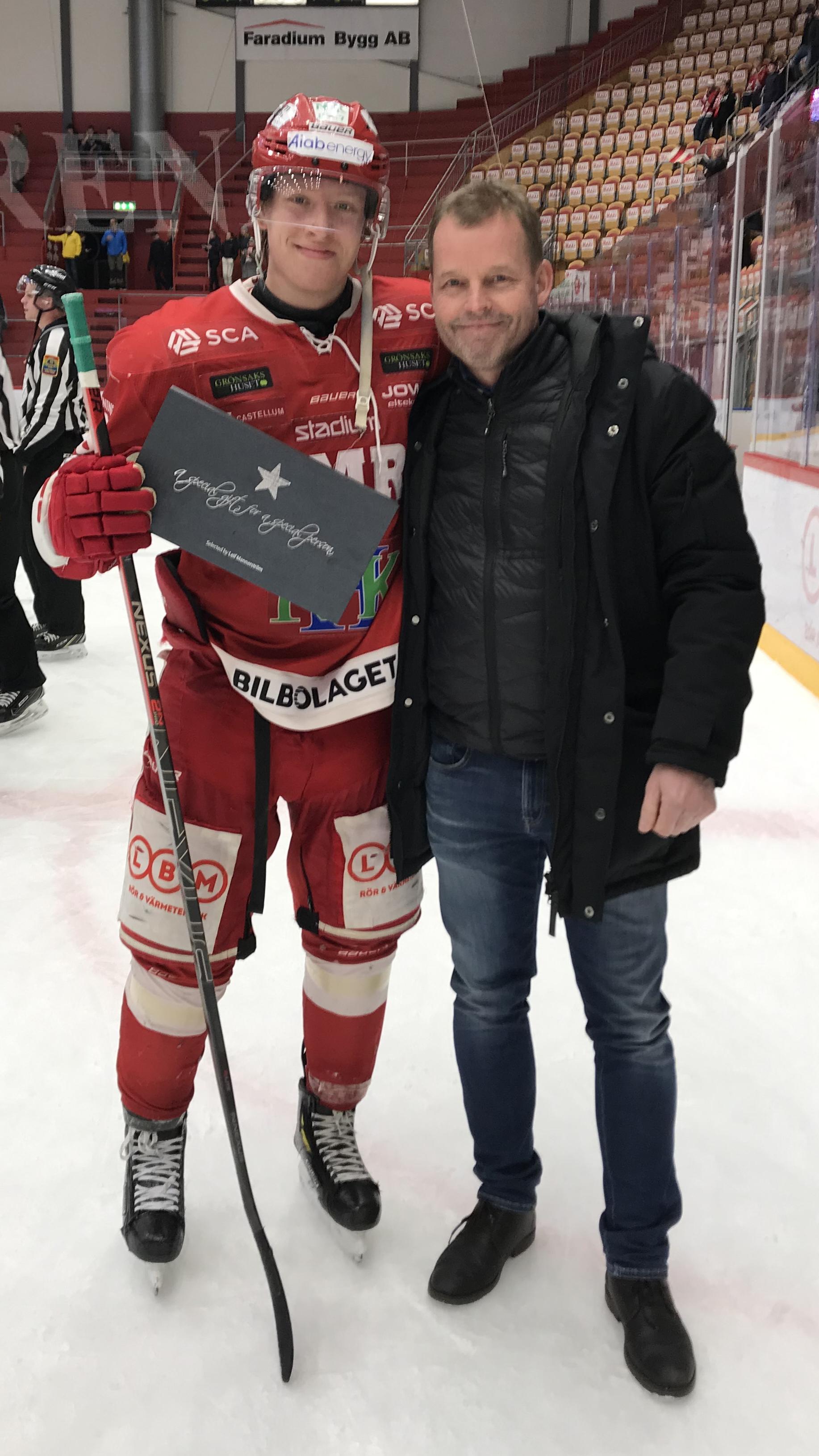 Matchens lirare, Vilmos Gallo tar emot pris av Lars Nolander