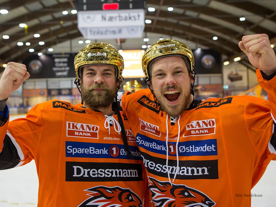 Fredrik bli hockeypensjonist sammen med Petter Kristiansen